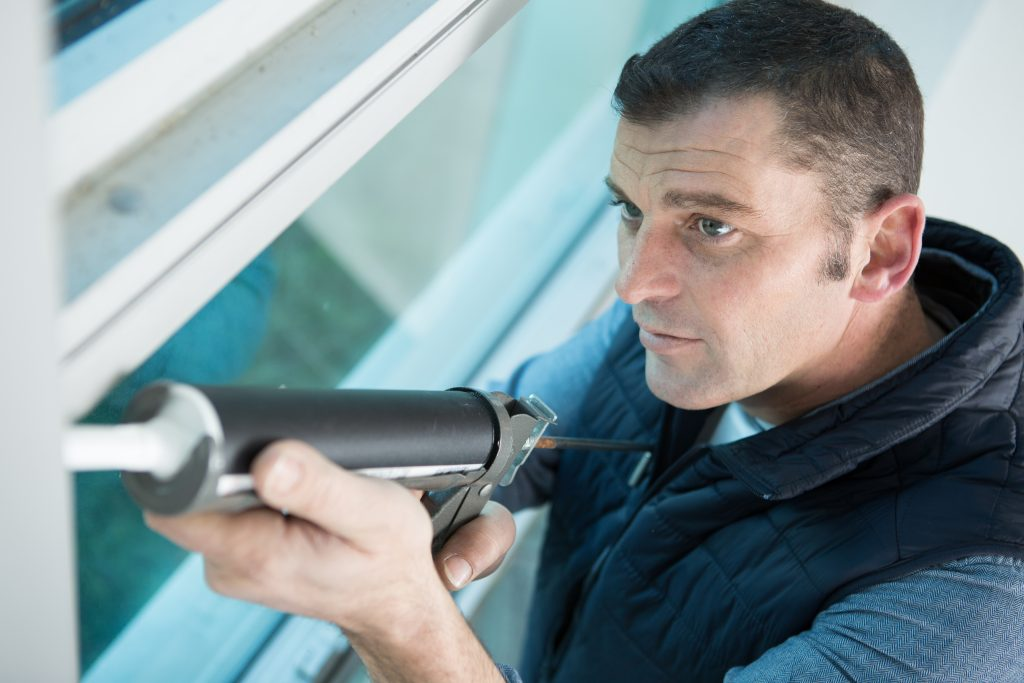 Caulking quote price and estimate to seal your property. | Calfeutrage Apex