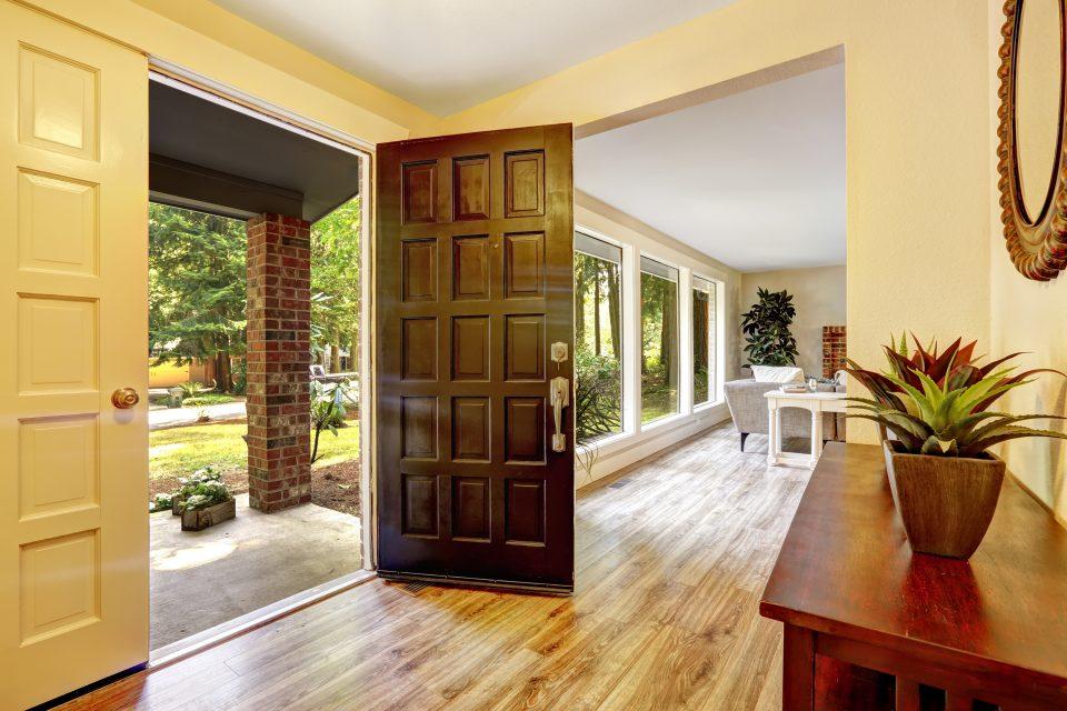 Pourquoi est-ce important d'isoler sa porte d'entrée?